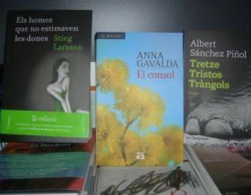 Stieg Larsson, Anna Gavaldà i Albert Sánchez Pinyol, els més llegits a l'estiu pels santcugatencs
