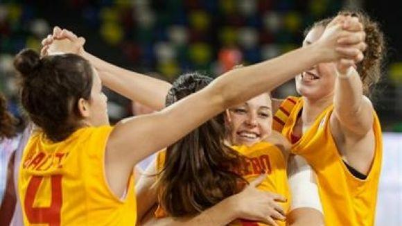 La selecció espanyola sub 20 de Llobet és a un pas de l'or europeu