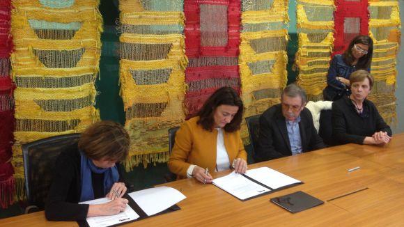 L'Ajuntament rep la donació de tres lloses originàries de l'antiga església parroquial de Sant Pere