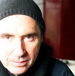 El cantaurtor ha hagut de suspendre l'actuació al Teatre-Auditori per una afecció vocal
