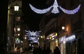 Sant Cugat encén l'esperit nadalenc a la ciutat