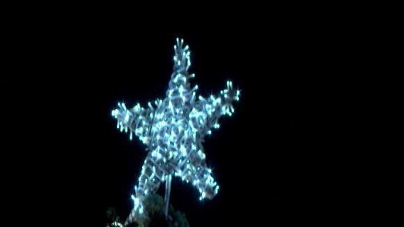 Sant Cugat encén els llums de Nadal en un acte amb famílies i música