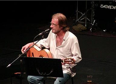 El cantautor Luis Eduardo Aute encisa i emociona el públic del Teatre-Auditori