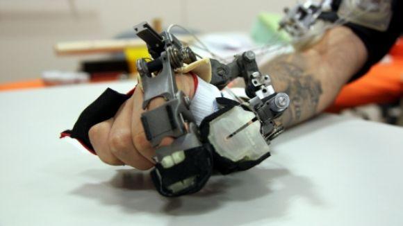 La robòtica ajuda persones amb discapacitat / Foto: ACN