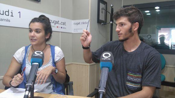 Esther Madrona i Martí Salvatella han explicat el ball de bastons amb un parell de bolígrafs