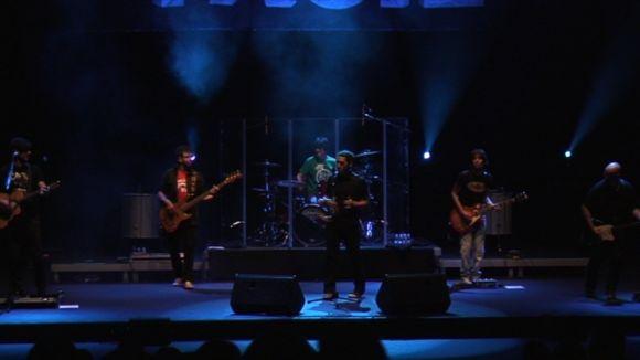 El concert de 'Mucho+Fácil' desperta la bogeria entre els fans de Maldita Nerea