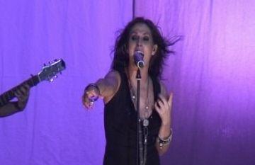 La Malú més enèrgica captiva el públic a un dels seus millors concerts