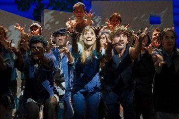 El Teatre-Auditori reviu el fenomen d'Abba amb el musical 'Mamma Mia!'