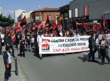 Dues entitats santcugatenques participen a la manifestació anticapitalista de la CGT