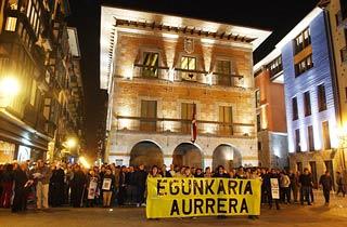 Sant Cugat es va sumar als actes de suport en contra del tancament del diari en èuskar.