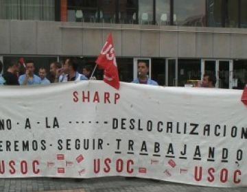 Els treballadors de Sharp, a l'espera de la decisió del govern sobre l'ERO