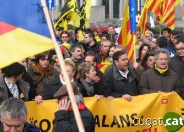 Un centenar de santcugatencs assisteixen a la manifestació dels '10.000 a Brussel·les'