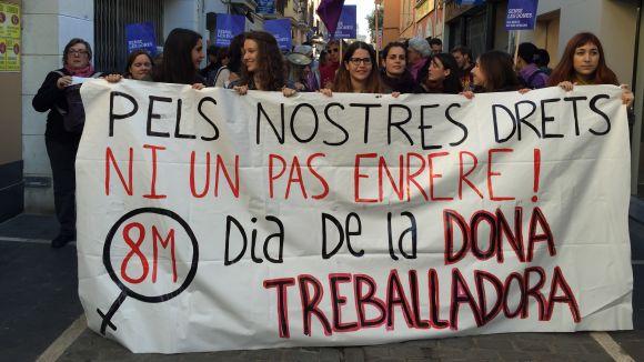La manifestació del Dia de la Dona recorda a Sant Cugat els reptes pendents
