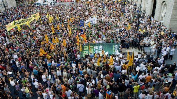 El ple demana la dimissió del ministre Wert
