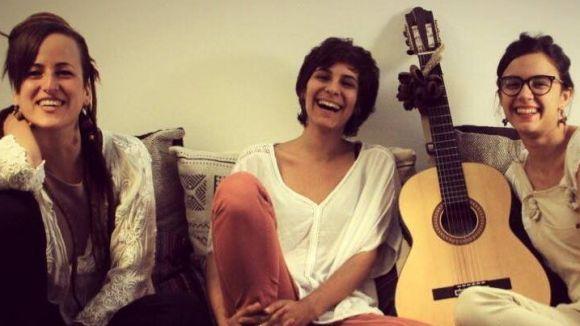 El grup està format per les artistes Paula Giberga, Selma Coll i Clara Fiol /Foto: Facebook Marala
