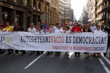 Les seccions locals de la CUP i la Plataforma pel Dret a Decidir se sumen a la Marxa al Parlament