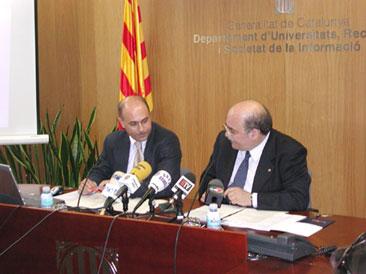 El conseller d'Universitats, Mas-Colell, durant la presentació dels resultats de les PAU 2003