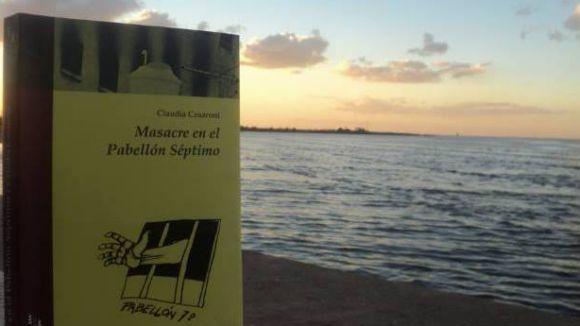 Claudia Cesaroni presenta el seu nou llibre 'Masacre en el Pabellon Séptimo'