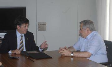L'alcalde rep l'expresident de la Unió Santcugatenca, Joan Mata