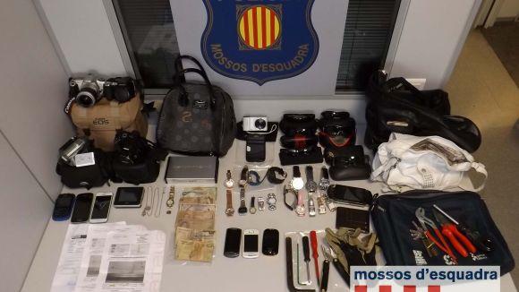 Tres detinguts per robatoris amb força a Sant Cugat i Rubí