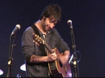 Mazoni estrena àlbum a Sant Cugat amb la Casa de Cultura plena