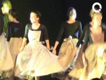 El grup Mediterrània reinterpreta els balls tradicionals amb una actuació especial