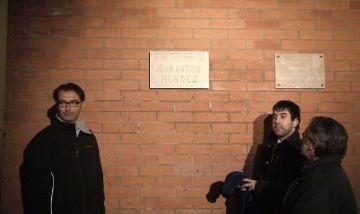 L'Ajuntament reubica la placa memorial Juan Antonio Méndez a la ZEM de la rambla del Celler