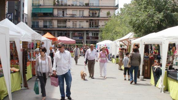 El Mercat d'artesans torna per Carnaval a la plaça dels Quatre Cantons