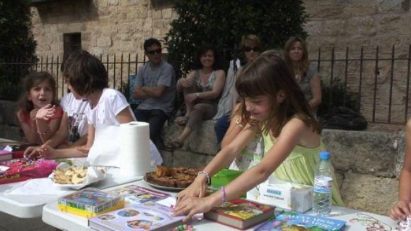 El mercat solidari de Petits Músics del Món deixa la iniciativa als més petits