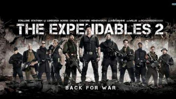 En Barney i els mercenaris s'hauran d'unir per salvar la Fiona i tot un país / Font: Cineralia.com