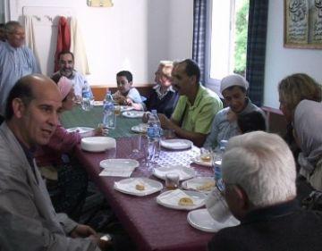 La mesquita de Sant Cugat dóna a conèixer les seves activitats en una jornada de portes obertes