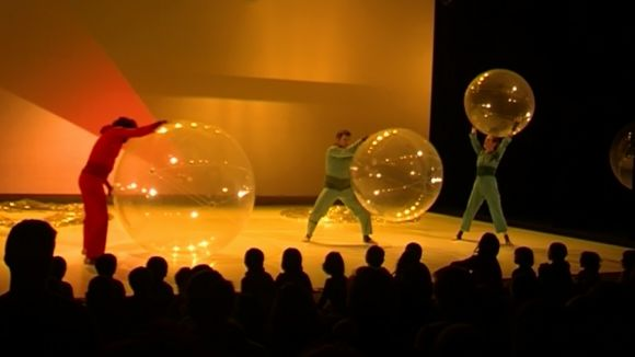L'espectacle 'Miravella' captiva els més petits al Teatre-Auditori