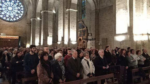 L'església del Monestir s'omple per acomiadar l'exalcalde Àngel Casas