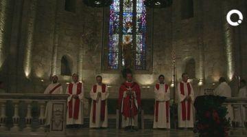 La ciutat recorda el martiri de Sant Cugat amb la tradicional missa i processó al Claustre