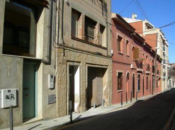 Una veïna del carrer Escaletes denuncia que li estan fent mòbing immobiliari