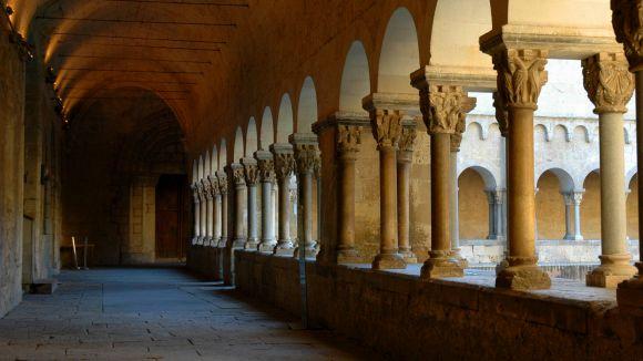 Visita al campanar, l'església i el claustre