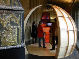 Una visita guiada gratuïta permet conèixer la història del Monestir