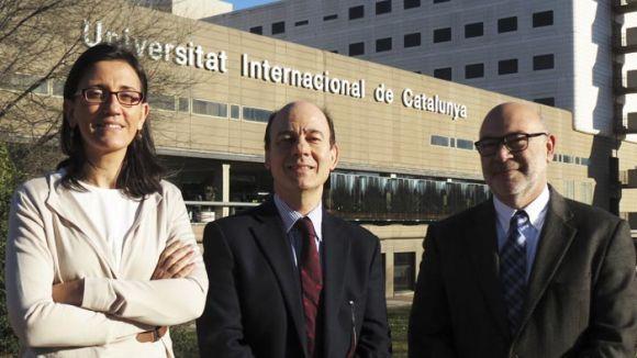 L'AECC concedeix una beca de 20.000 euros a un equip de recerca la UIC