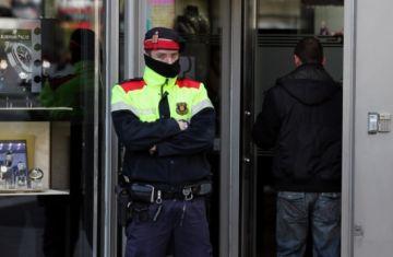 El jutge ordena nous escorcolls del cas 'Macedònia', on està implicant un exmosso de la comissaria local
