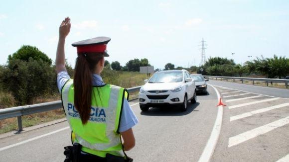 Detingut a Sabadell un santcugatenc per conduir una moto begut i amb matrícules falses