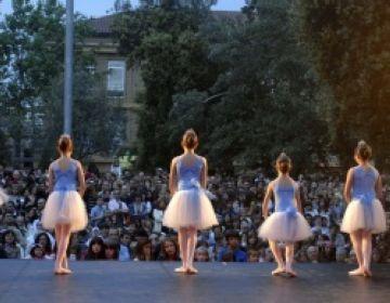 La plaça del Rei acollirà aquest diumenge la Mostra de Dansa de les escoles