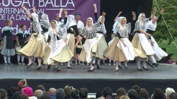 Un total de vuit escoles de dansa participen a la Mostra de Dansa a la plaça d'Octavià