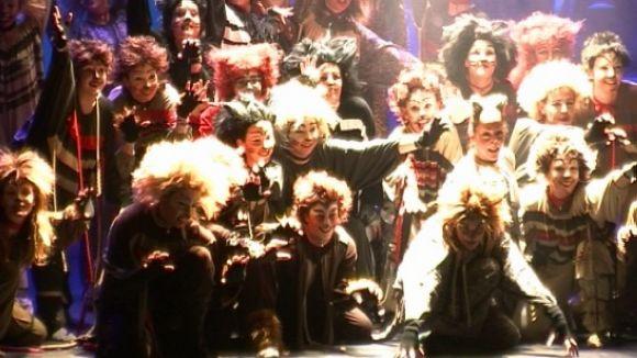 La Vall tradueix en musical les vivències atemporals de les seves alumnes