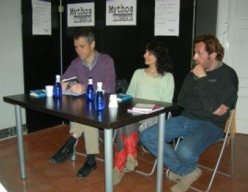 La llibreria Mythos contraposa la poesia amorosa d'Amills i Borrell