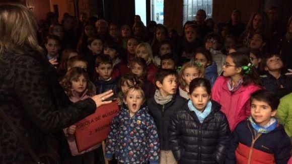 Sant Cugat s'ha omplert de nadales aquest dijous amb les veus dels cors infantils