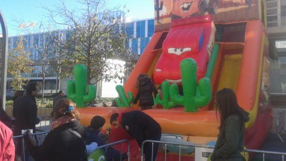 Sant Cugat Comerç treu els ciutadans al carrer en una festa de Nadal avançada