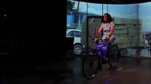 Nadia Ghulam protagonitza l'espectacle / Foto: Teatre-Auditori