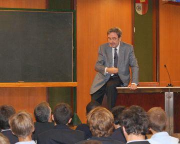 El santcugatenc Narcís Serra no serà president de la fusió de Caixa Catalunya, Tarragona i Manresa