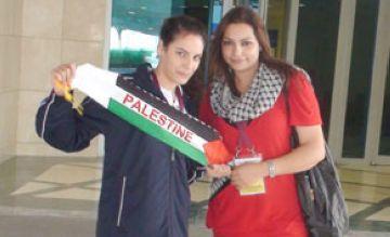 Dues nedadores palestines preparen els Jocs Olímpics al CAR