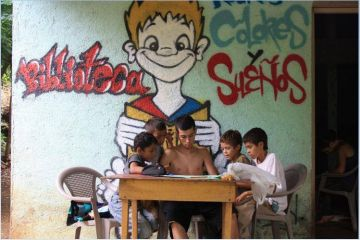 Una dotzena de joves s'interessen pel projecte de l'associació Rostros, Colores y Sueños a Nicaragua